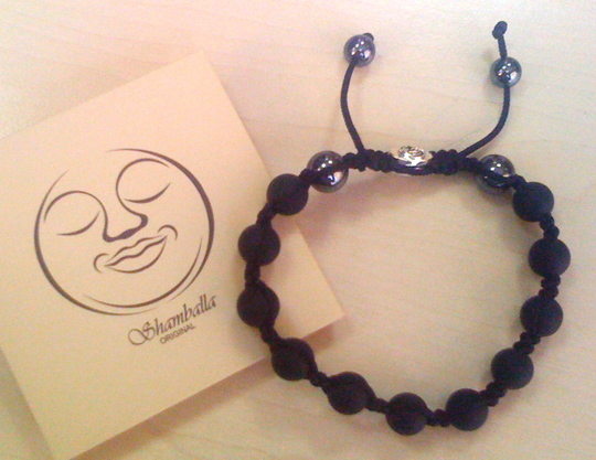 Bracelet Shamballa 'Lava stone'. Site: 'Handmade manufacture of bracelets and beads from Nepal'
